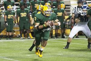 Junior quarterback Dustin Thomas threw for 216 yards on Saturday. (Anthony Viola NW)