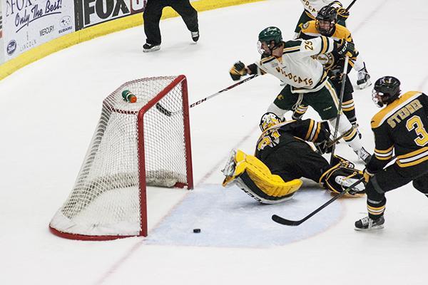 re-AV_Hockey10