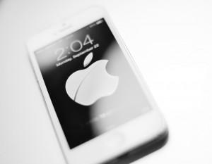 re-AH_Apple3